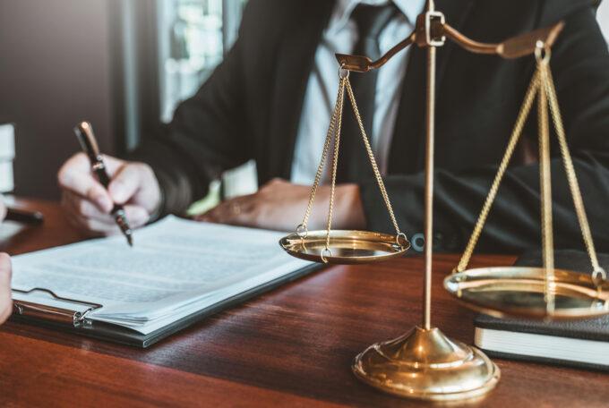 Бесплатные услуги адвоката в Германии